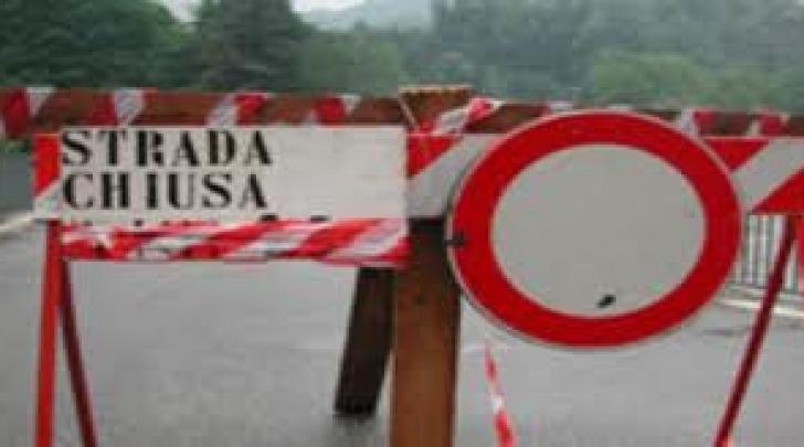 avviso strada chiusa
