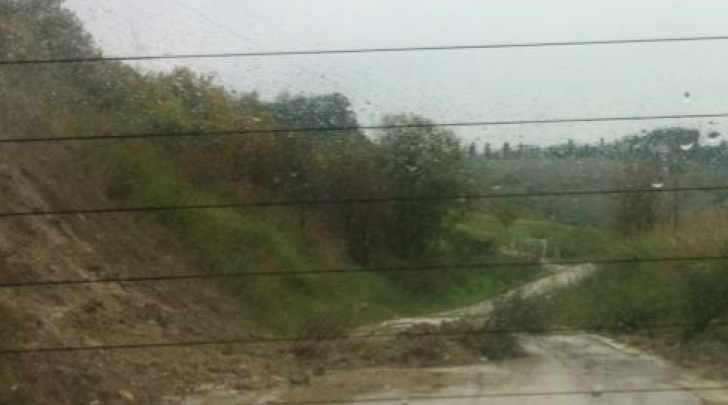 Strada chiusa a Carapollo