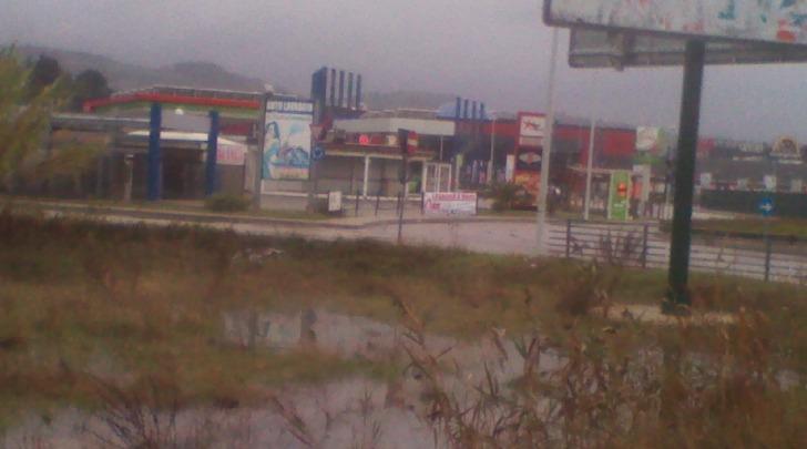 Rischio esondazione del Pescara presso Megalò