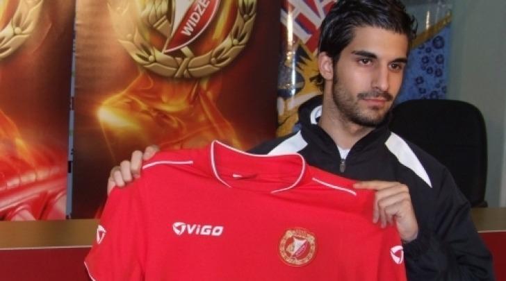 Kuki con la maglia del Widzew Lodz