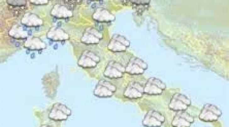 Il tempo, nuvoloso con piogge su Italia