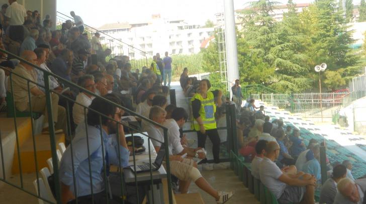 """Pubblico allo stadio """"Angelini"""" di Chieti"""