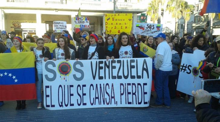 Anche a pescara oggi si manifesta per la pace in venezuela for Notizie dal parlamento oggi