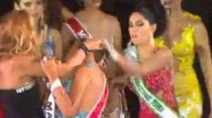 Miss Amazzonia, la seconda classificata non ci sta e prende a botte la reginetta