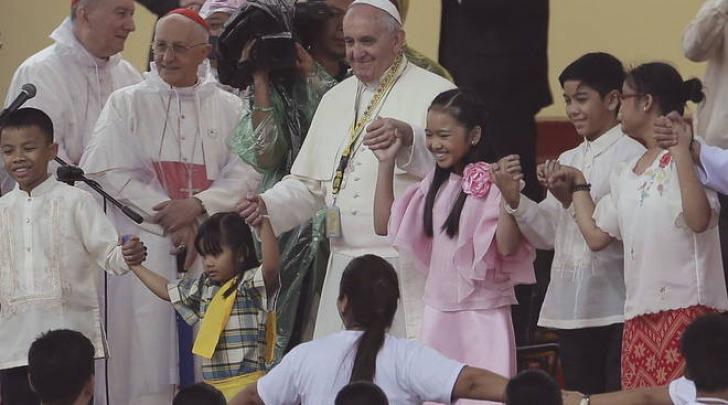 Papa Francesco, folla oceanica per la messa a Manila
