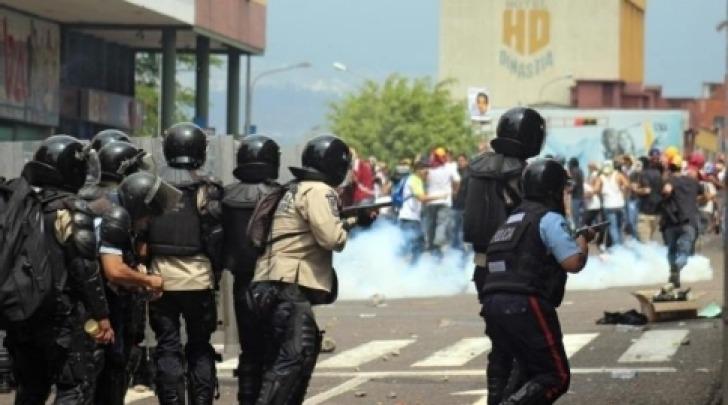 Venezuela scontri protesta