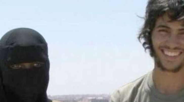 Il ragazzo usato dall'Isis come esca per le adolescenti