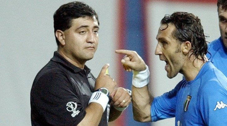 Angelo Di Livio e l'arbitro Moreno