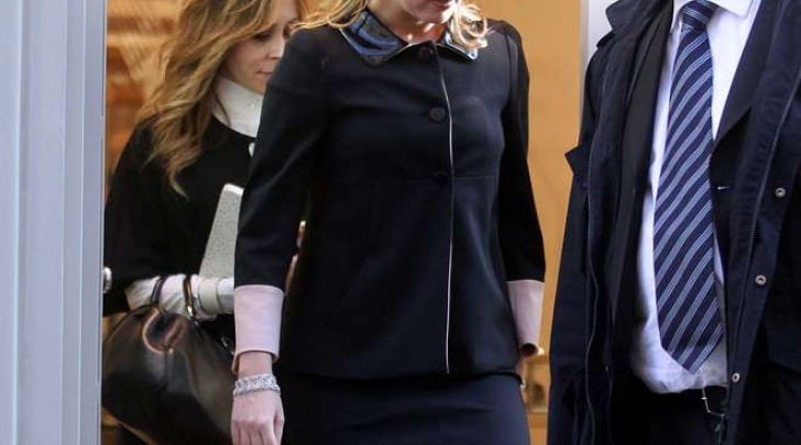 Francesca Pascale, shopping a Milano col bodyguard (Olycom)