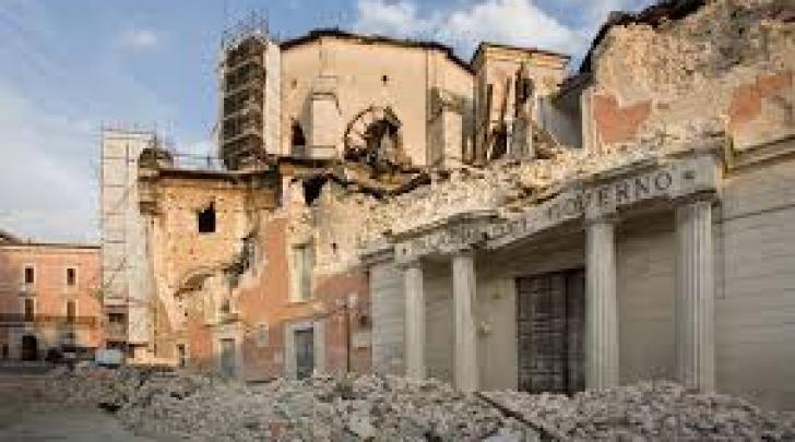 terremoto-palazzo Prefettura L'Aquila