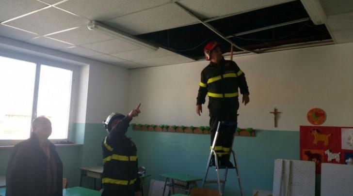 Monteodorisio (Chieti), cede controsoffitto scuola media Molisani