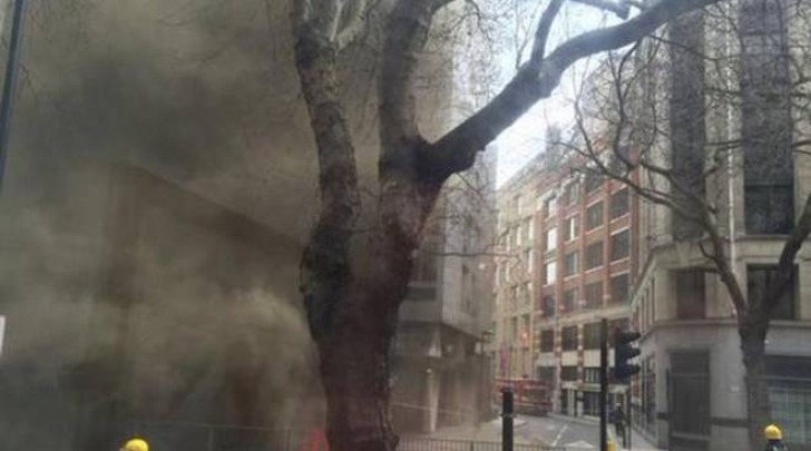 Incendio a Londra (Twitter)