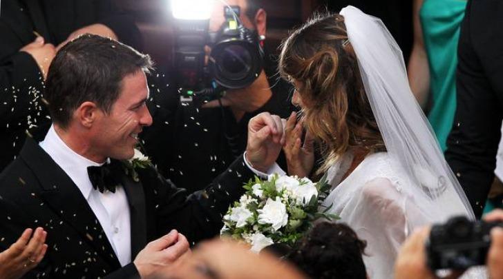 Il matrimonio di Elisabetta Canalis e il nude look di Belen (Olycom)