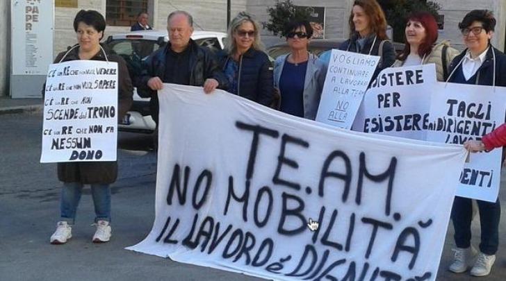 Protesta dipendenti Team in Prefettura