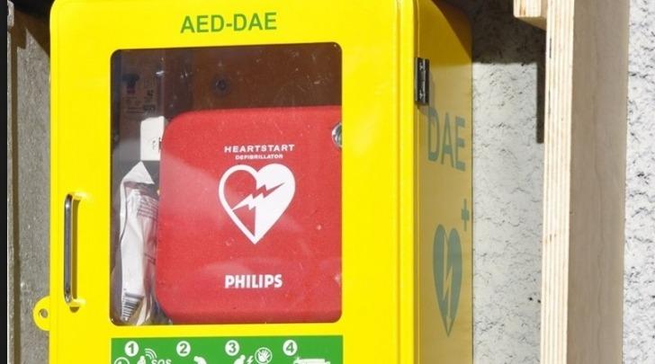 dispositivo D.A.E. (Defibrillatore Automatico Esterno)