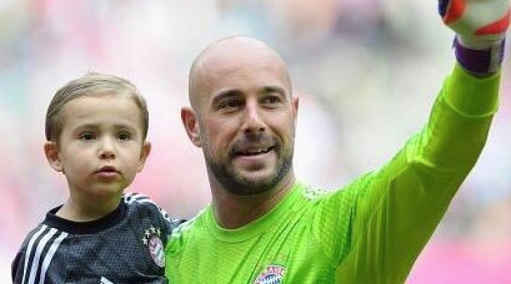 Pepe Reina e il Figlio - Twitter