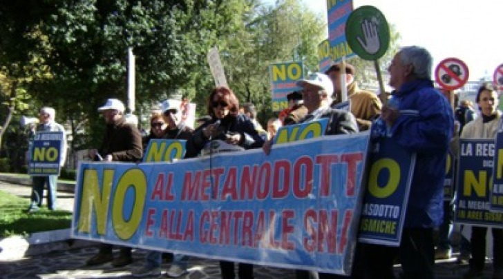 Manifestazione no Snam