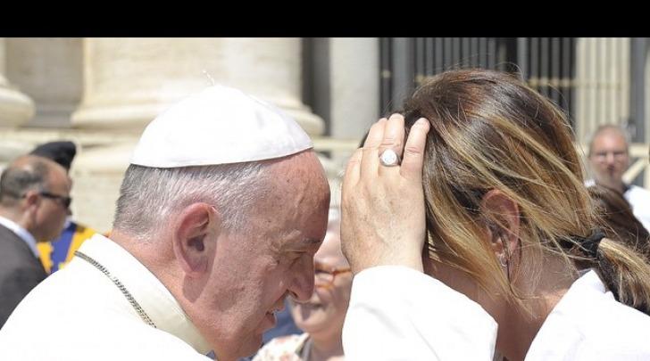 il Santo Padre Papa Francesco e Paola Perego