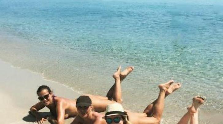 Samantha De Grenet topless San Teodoro