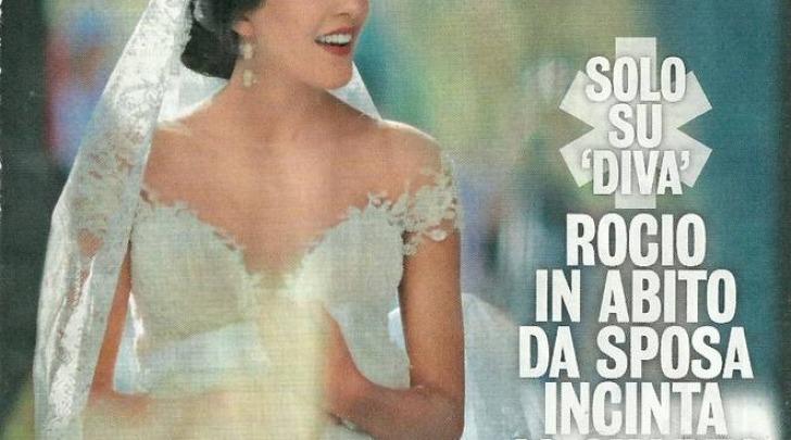 Rocio Munoz Morales incinta col pancino in posa con abito da sposa (Diva e donna)