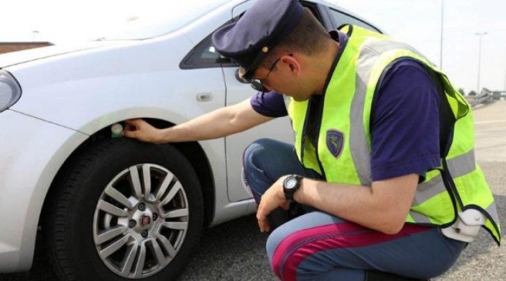 Vacanze Sicure Polizia Stradale Controlli Pneumatici
