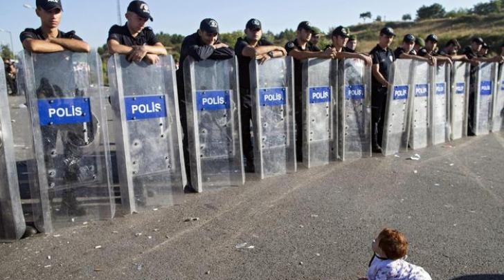 Baby Migrante alla frontiera greco-turca
