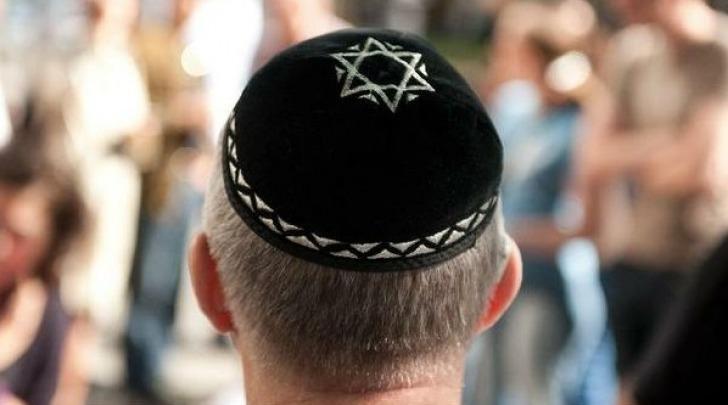 Ebreo con kippah