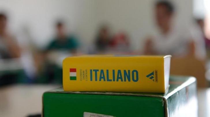 Maturit 2016 iniziata la prova scritta di italiano ecco for Senato italiano composizione