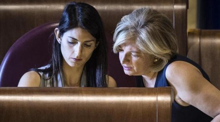 Il sindaco di Roma Virginia Raggi con l'assessore Paola Muraro