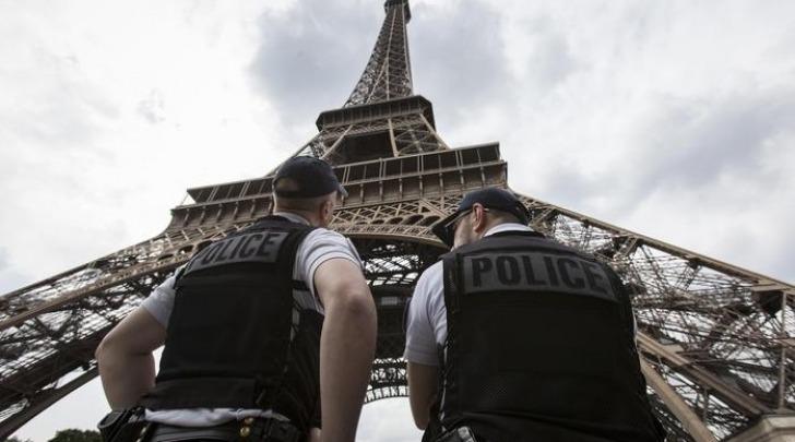 police, Parigi