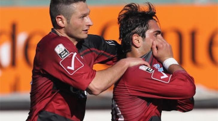Di Carmine esulta dopo il gol
