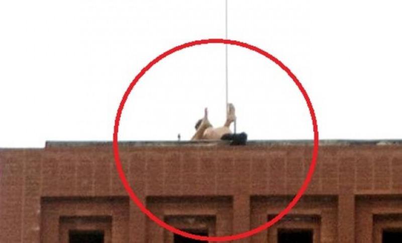 Sesso sul tetto del garage dalla vista mozzafiato non for 2 1 2 metratura del garage