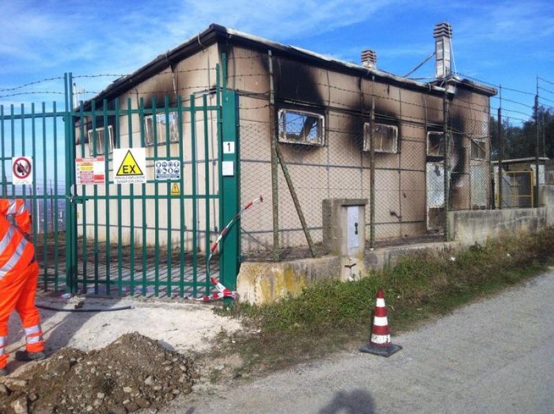 Incendio distrugge la cabina del gas di cupello al freddo for Come ridurre il rumore nella cabina dell auto