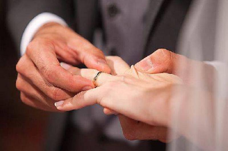Spos un 39 italiana per ottenere permesso di soggiorno for Matrimonio stranieri senza permesso di soggiorno