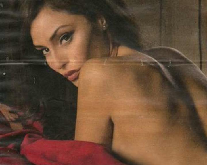 Raffaella Calendario.Raffaella Fico Ecco Il Calendario Hot Per For Men Magazine