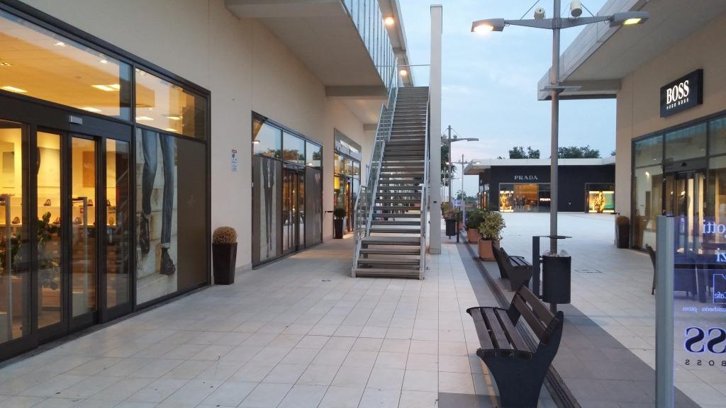 wholesale dealer c6e33 b59d9 Da Guardiani a Nero Giardini : Shopping a 5 stelle negli ...