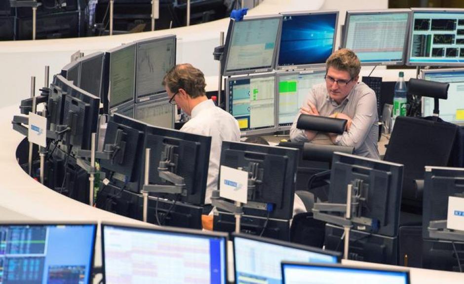 Borsa in calo, lo spread risale verso quota 140
