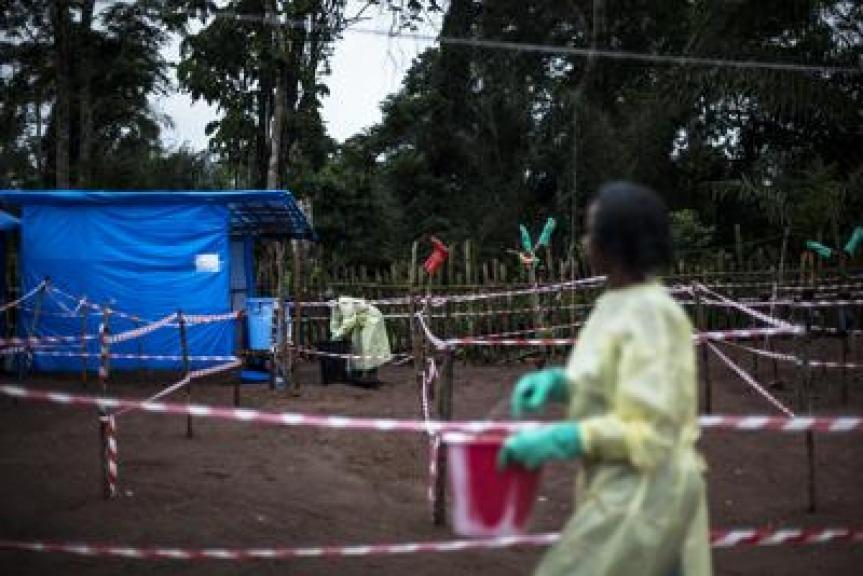 Ebola ritorna un pericolo e raggiunge le città