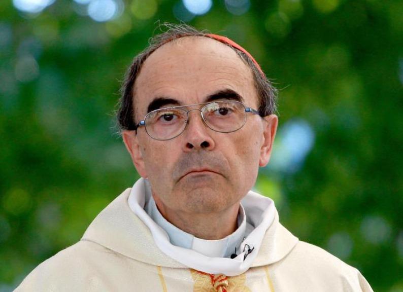 Lo scandalo pedofilia travolge il cardinale Barbarin