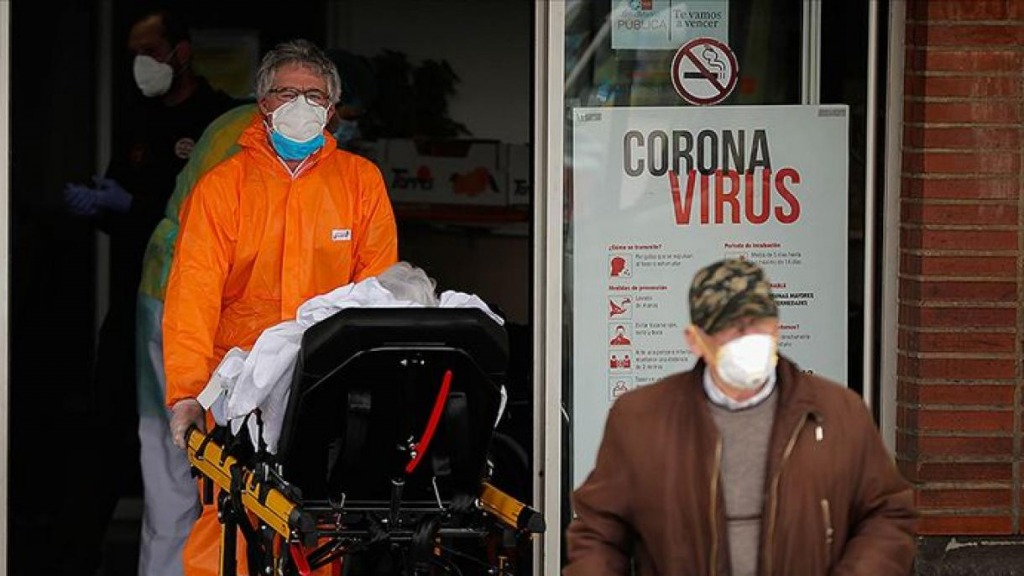 Risale la curva dei contagi in Italia, casi raddoppiati in 24 ore