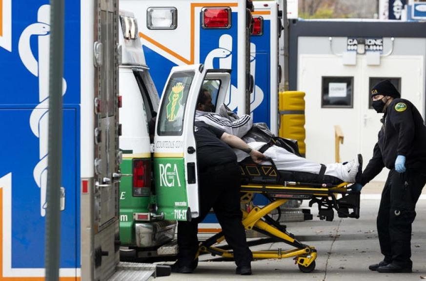 USA, le morti legate al coronavirus superano le 250'000