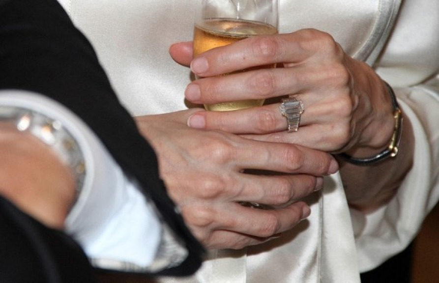 Angelina Jolie Engagement Ring Copy