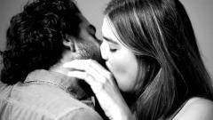 """""""First Kiss"""" di Tatia Pilieva"""