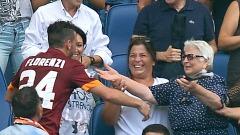 Florenzi e nonna, l'abbraccio