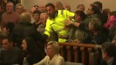 proteste in Consiglio