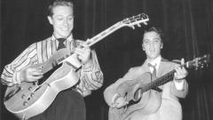 "Scotty Moore and Elvis Presley - foto da fb ""Scotty Moore's Website"""