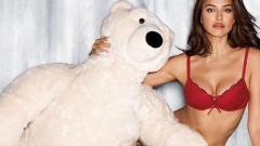 Irina Shayk, sexy mamma Natale