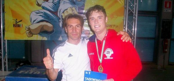 Il maestro Emiliano Negri e il giovane campione Gabriel Dornea