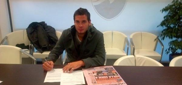 Milton Caraglio firma il contratto con il Pescara