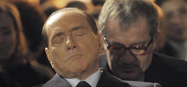 Silvio Berlusconi addormentato